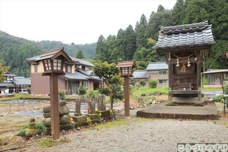 明智神社の墓